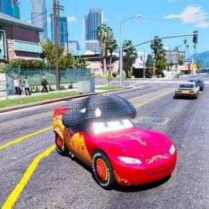 gta-5-mod-disney-cars-lightning-mcqueen-with-hat